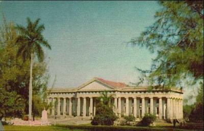 Cementerio Jardín cumple 87 años.